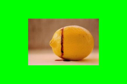Il cineocchio sul G8. Il concatenamento collettivo di enunciazioni di Giacomo Verde sui fatti del G8 genovese del 2001 (Solo limoni)