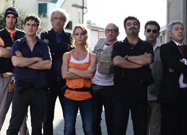 """Ninni Bruschetta (penultimo da sinistra) con il cast della terza serie di """"Boris"""""""