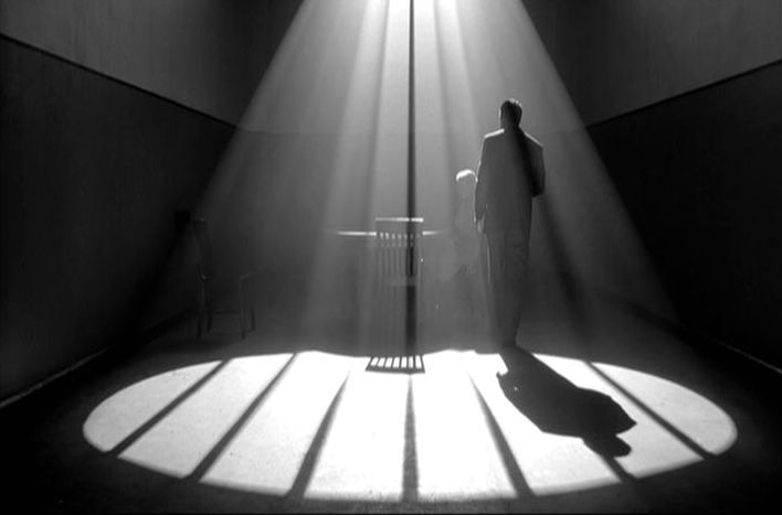 The Man Who Wasn't There01