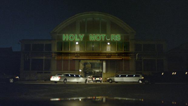 Holy Motors01
