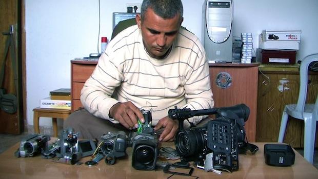 5 Broken Cameras01