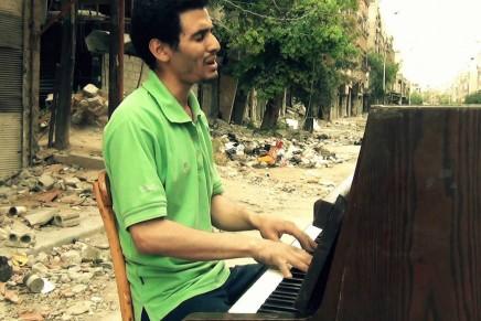 Rasael Men Al Yarmouk (Letters from Al Yarmouk) > Rashid Masharawi, Niraz Saeed
