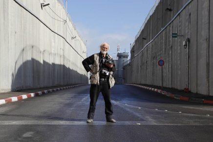Koudelka Shooting Holy Land (Koudelka fotografa la Terra Santa) > Gilad Baram
