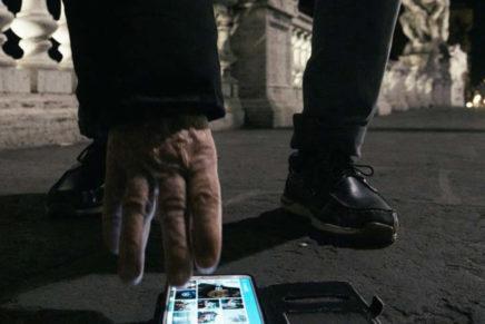 """Il video (non) sono io. """"La donna dello smartphone"""" di Fabio Del Greco"""