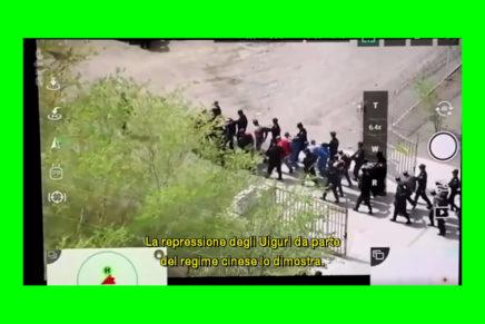 Tous surveillés – 7 milliards de suspects (La Società della Sorveglianza – 7 miliardi di sospetti) di Sylvain Louvet (2019)